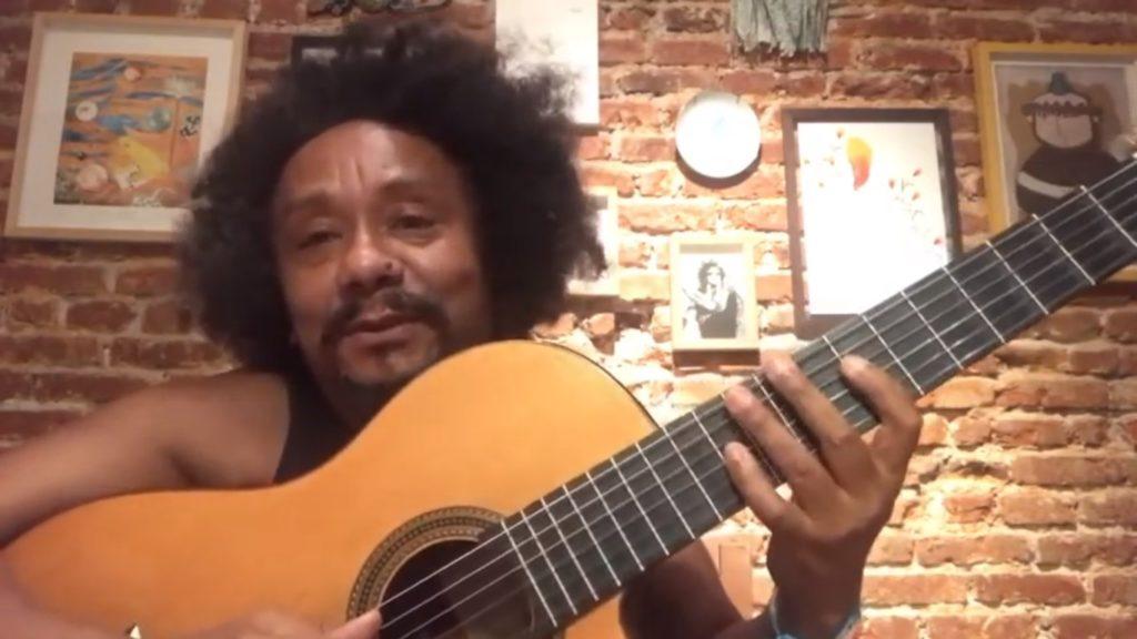 Chico César publica videoaulas no YouTube durante a quarentena